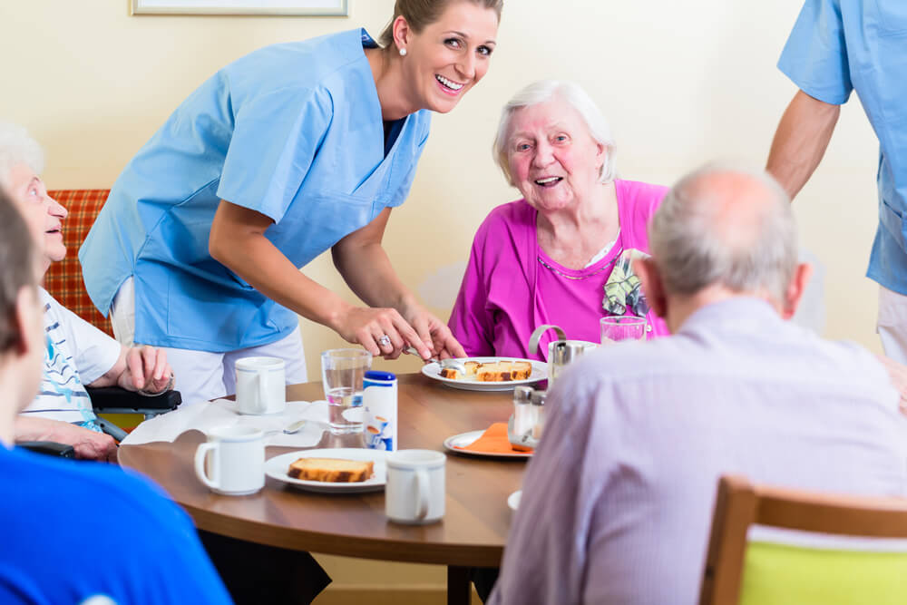 Assisted living center meal service